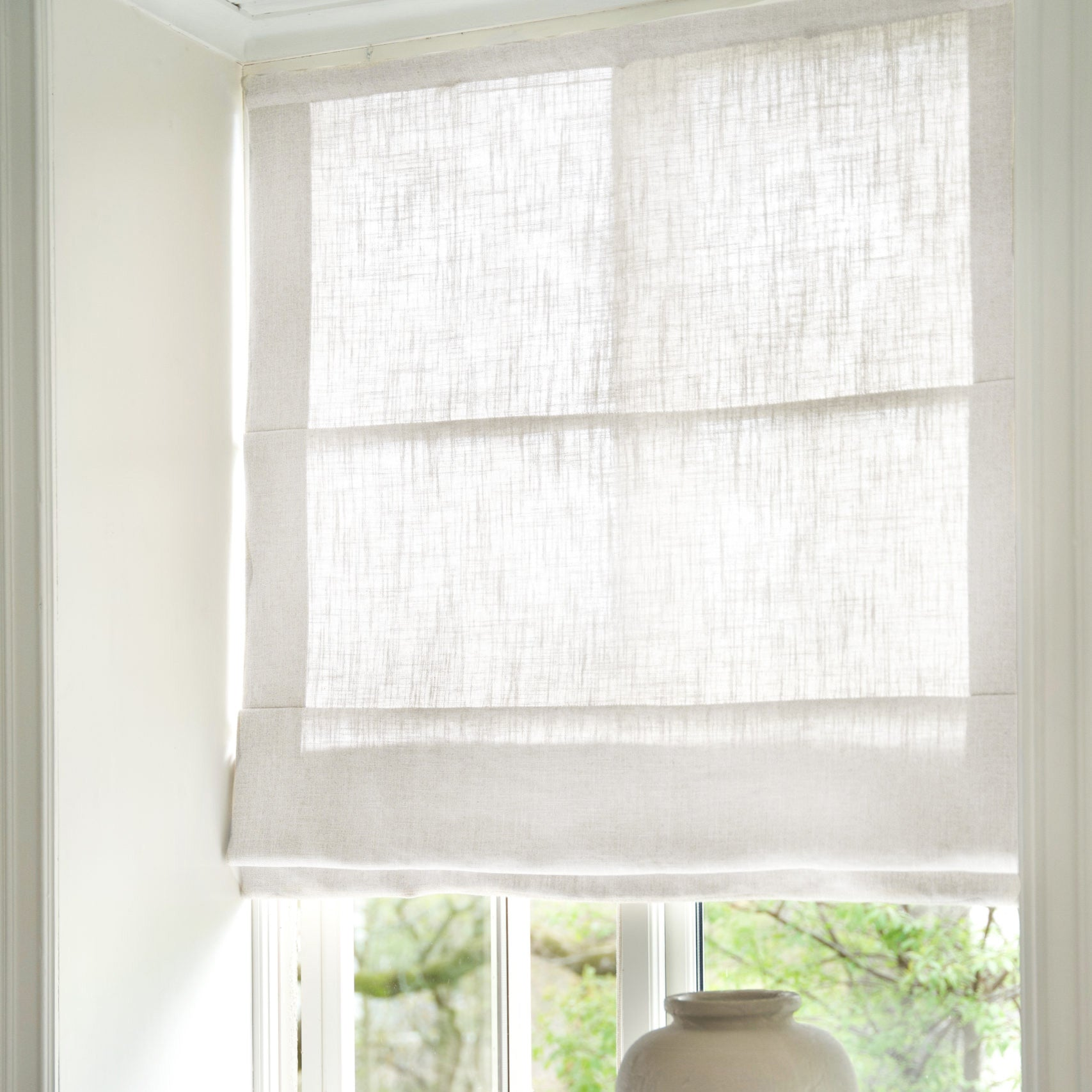 Gotain pure white linen roman blinds