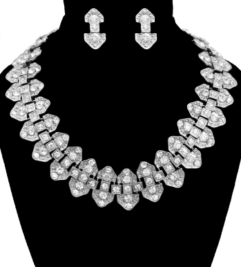 Vintage Necklace & Earring Set in Silver Tone