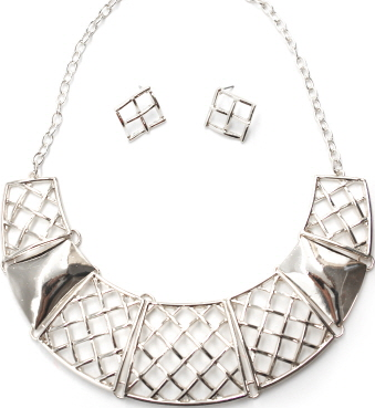 Geo Mod Check Pattern Necklace & Earrings Set in Silver Tone