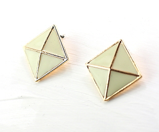 Honeycomb Earrings in Ivory/Gold Tone