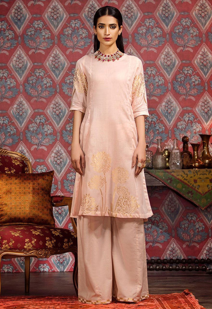 Cross Stitch Eid Jacquard Collection 2018 – Soft pink