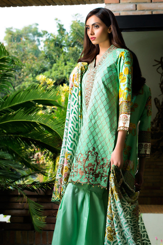 Saira Hassan Velvet Embroidered Dupatta Collection – SH02 - YourLibaas  - 1