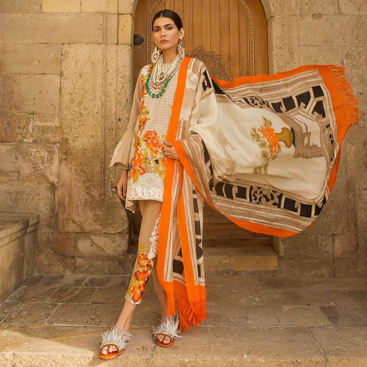 Fashion week Safinaz sana winter shawl collection with prices for woman