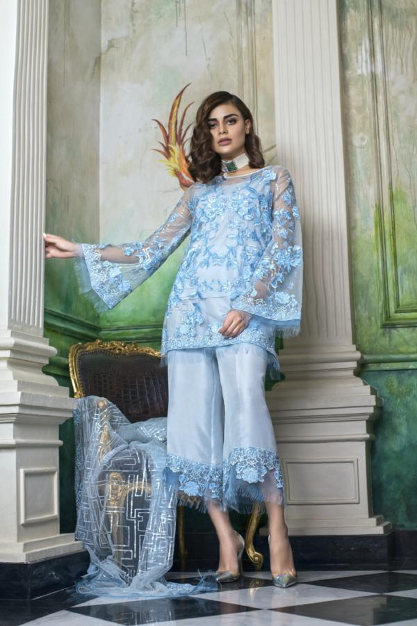 Honey Waqar Bouquet de Fleur Luxury Silk Collection 2018 – Ambere Sauvage 06