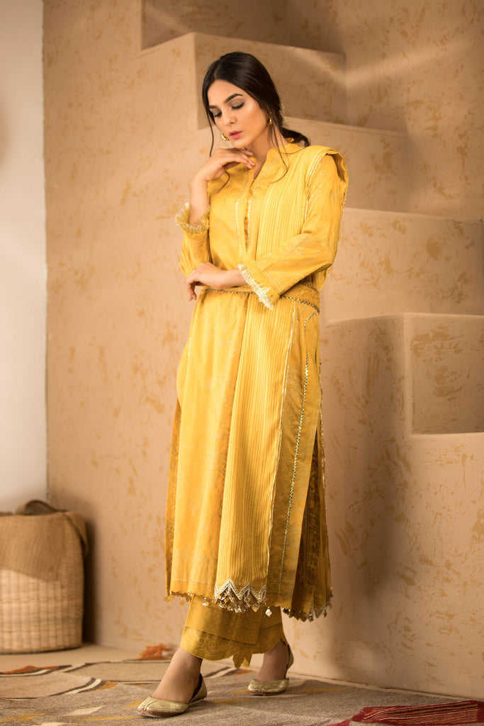 Sapphire Naqsh Dar Lawn Eid Collection Vol-V – Baroque Rain A