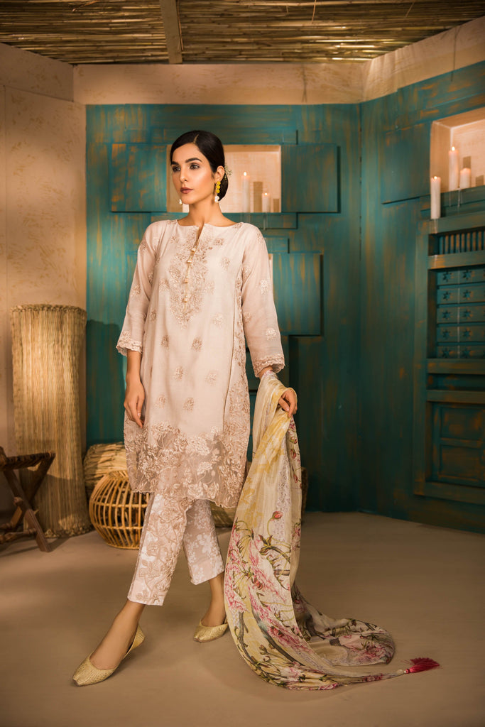 Sapphire Naqsh Dar Lawn Eid Collection Vol-V – Carnation Desire