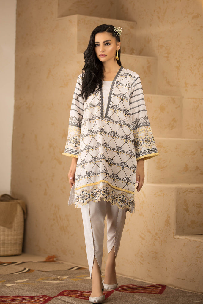 Sapphire Naqsh Dar Lawn Eid Collection Vol-V – Edgy Fit B
