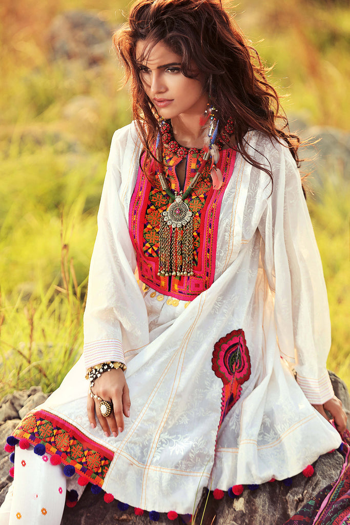 Gul Ahmed Gypsy Folk Lawn Collection - White 3 PC Bamber Embroidered GL-05