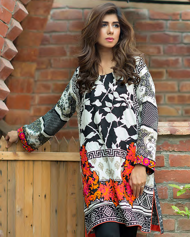 Charizma Plush Embroidered Kurti Fall/Winter Vol 1 – PK03 - YourLibaas  - 1