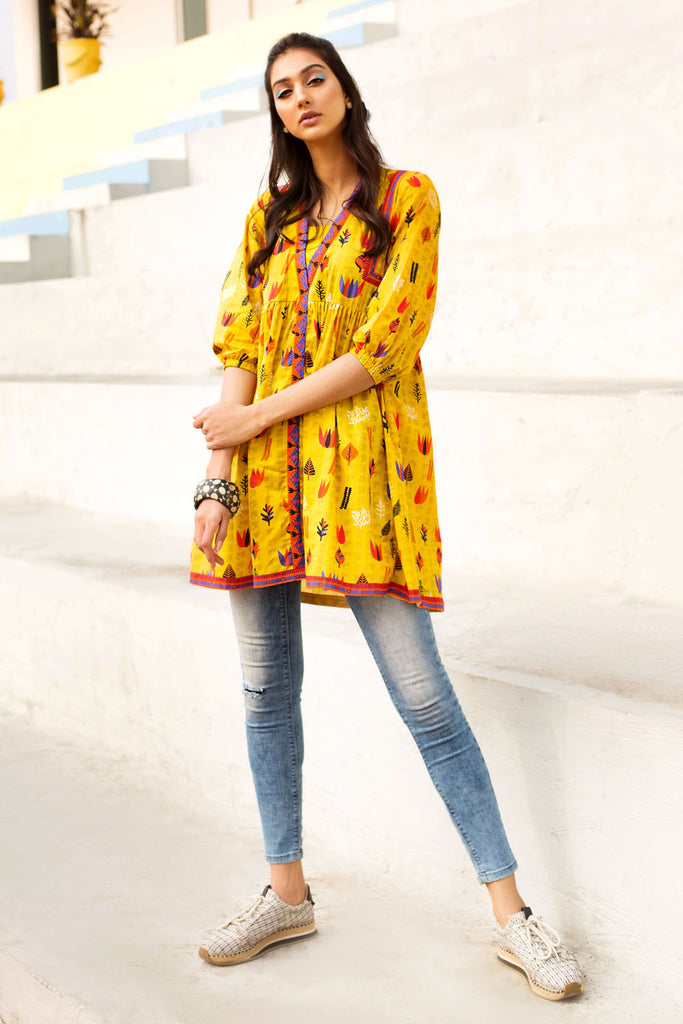 Gul Ahmed Summer Basic Lawn 2021 · 1PC Unstitched Digital Printed Lawn Shirt SL-921 A