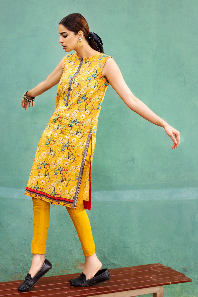 Gul Ahmed Summer Basic Lawn 2021 · 1PC Unstitched Digital Printed Lawn Shirt SL-934 B