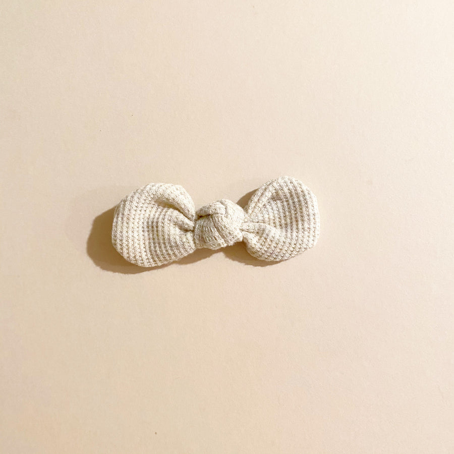 Knotted Bow Clip, Oatmeal Thermal