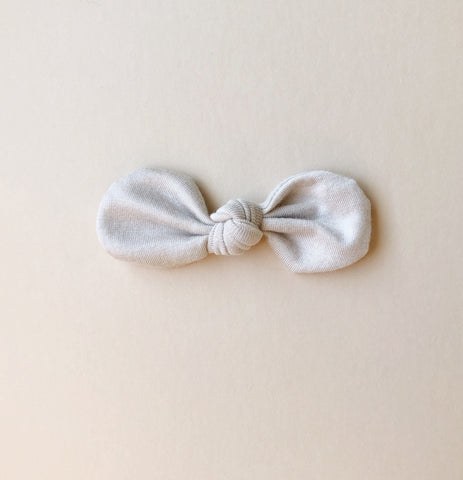 Knotted Bow Clip, Shell