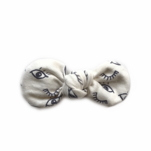 Knotted Bow Clip, Eyes