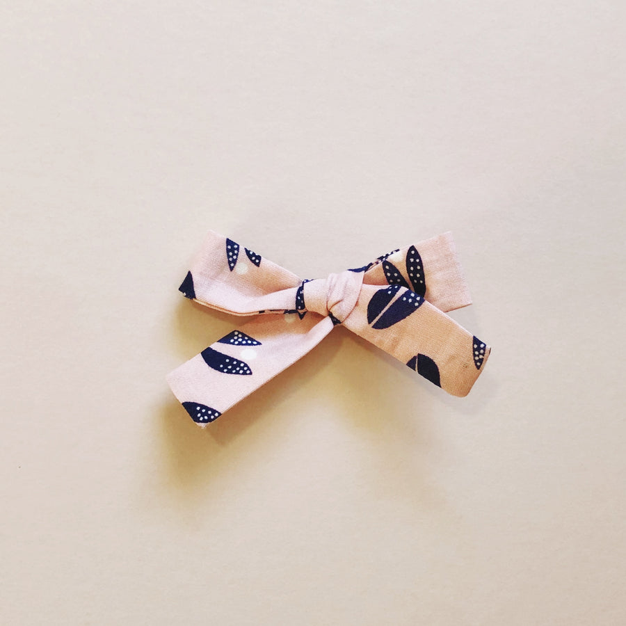 The Everyday Bow, Blush Petal