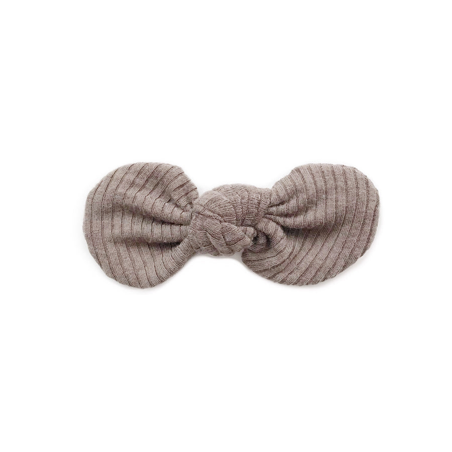 Knotted Bow Clip, Ribbed Putty