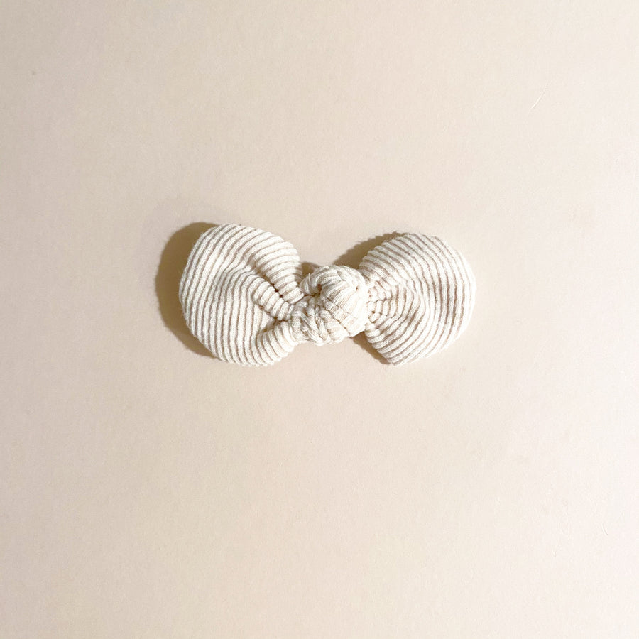 Knotted Bow Clip, Ivory Ribbed