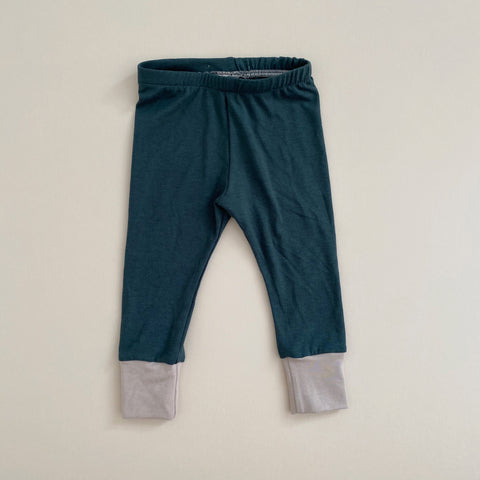 Basic Leggings, Pine w/ Doe (PRE-ORDER)