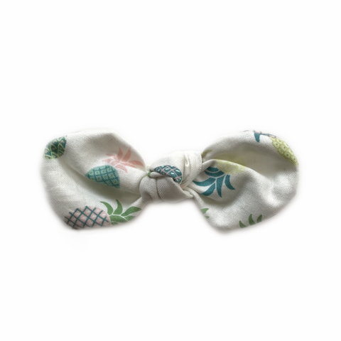 Knotted Bow Clip, Pineapple