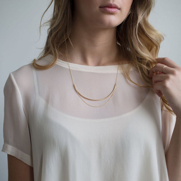 Curve Necklace in 14k gold fill modeled | Fresh Tangerine