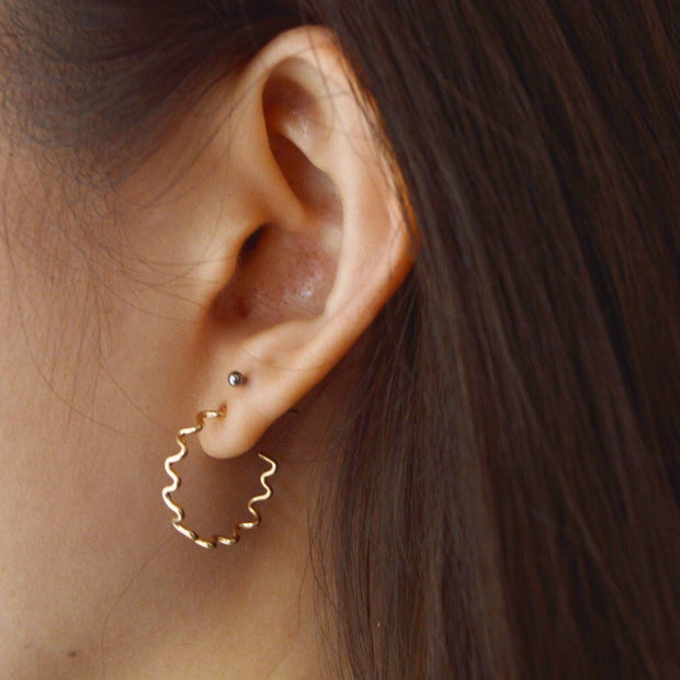 Meandering Hoop in 14k gold fill modeled | Fresh Tangerine