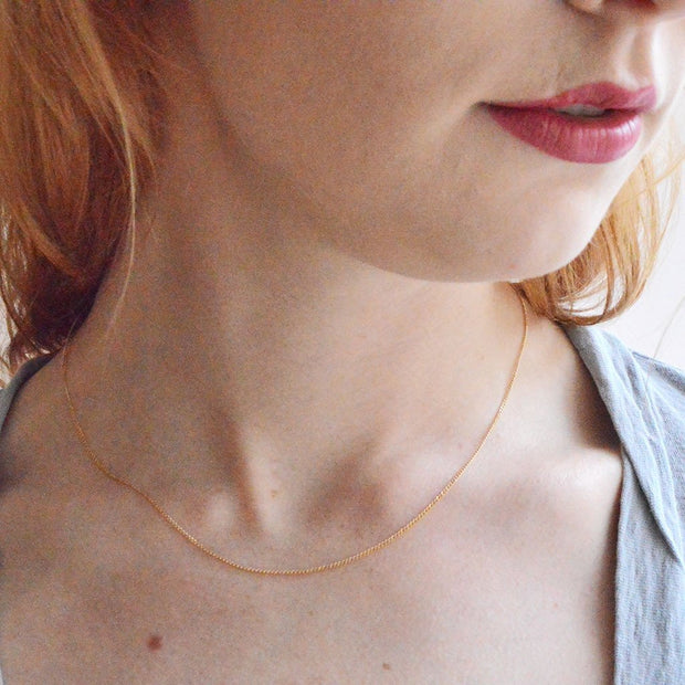 Nouveau Necklace Chain in 14k gold fill modeled close up | Fresh Tangerine