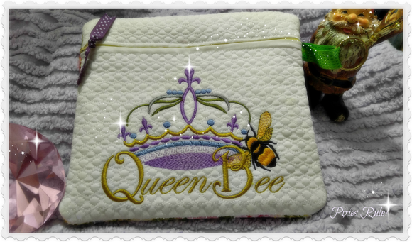 Queen Bee 5x7 Zipper Pouch