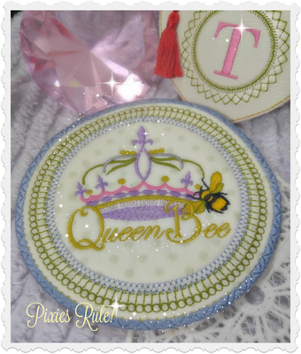 Queen Bee Mug Mat 6X6