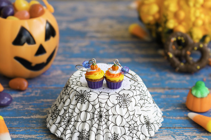 products/1-2_halloween_cupcakes_purple.jpg