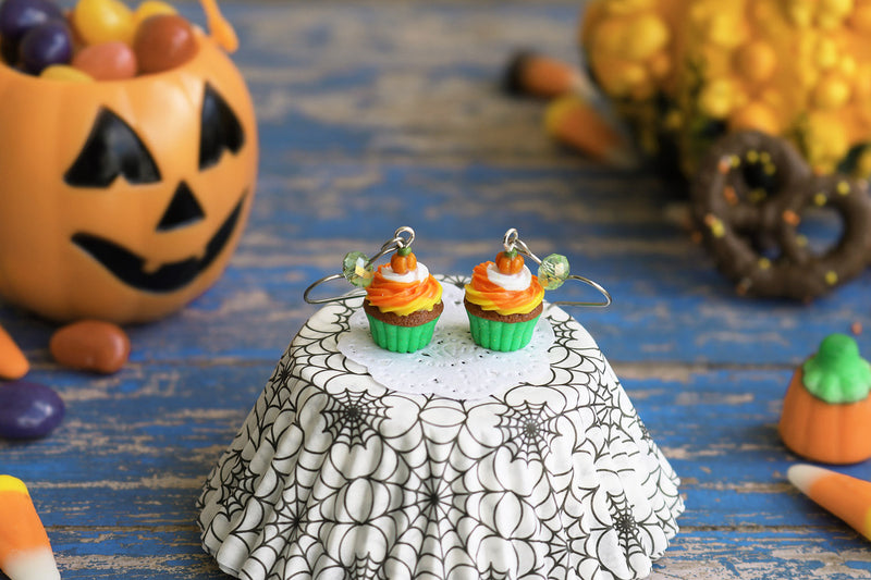 products/1-3_halloween_cupcakes_green.jpg