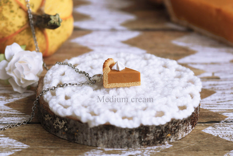 products/1a-2_medium_pumpkin_pie_pendant.jpg