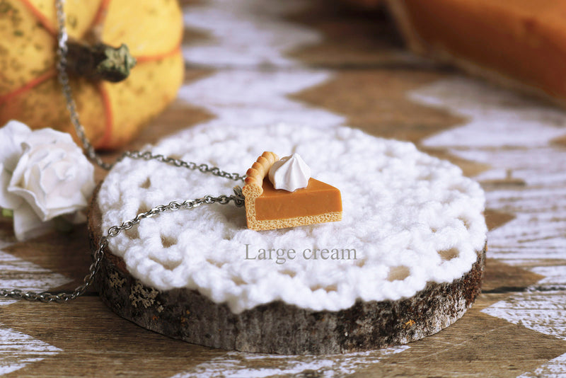 products/1c_large_pumpkin_pie_pendant.jpg