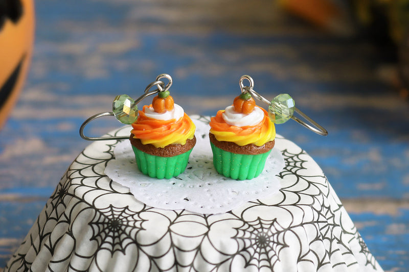 products/2-3_halloween_cupcakes_green.jpg