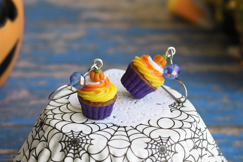 products/3-4_halloween_cupcakes_purple.jpg