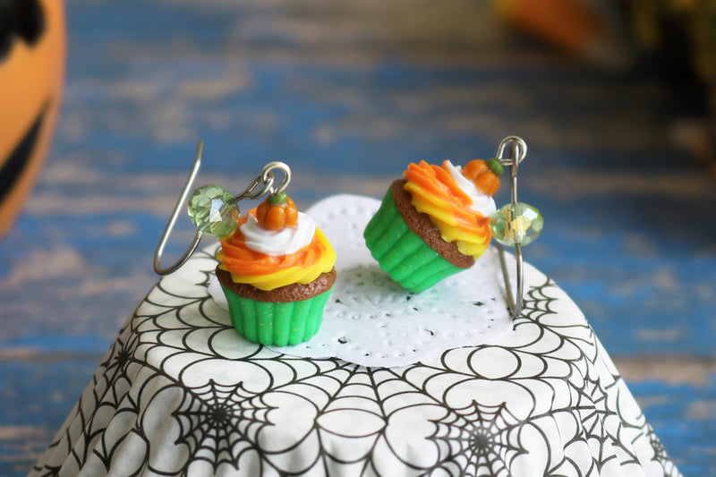 products/4-3_halloween_cupcakes_green.jpg