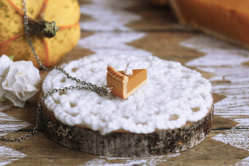 products/4b-2_pumpkin_pie_pendant.jpg