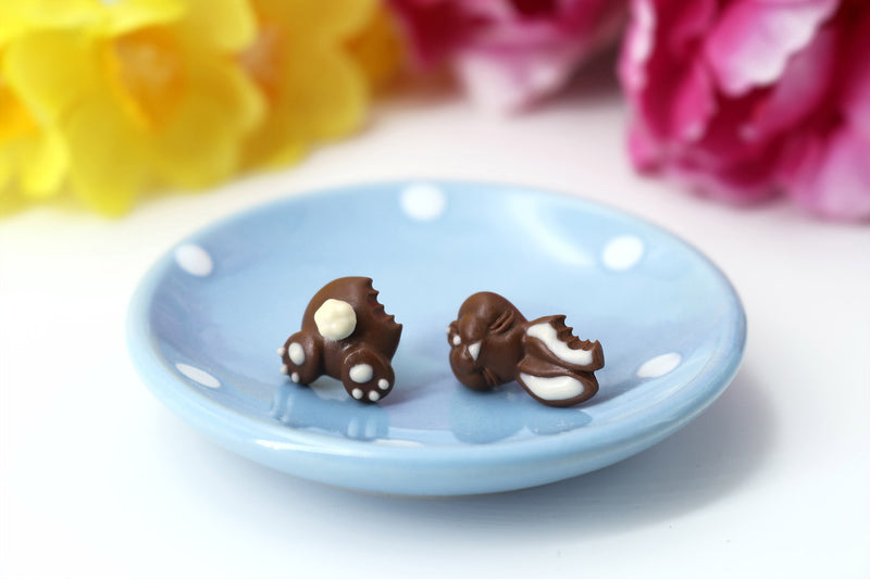 products/Handmade_polymer_clay_Easter_chocolate_bunny_stud_earrings_2.jpg
