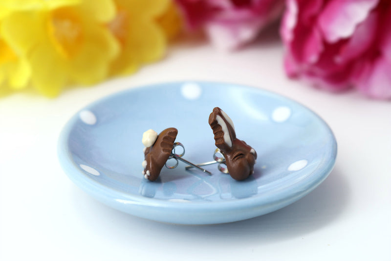 products/Handmade_polymer_clay_Easter_chocolate_bunny_stud_earrings_5.jpg