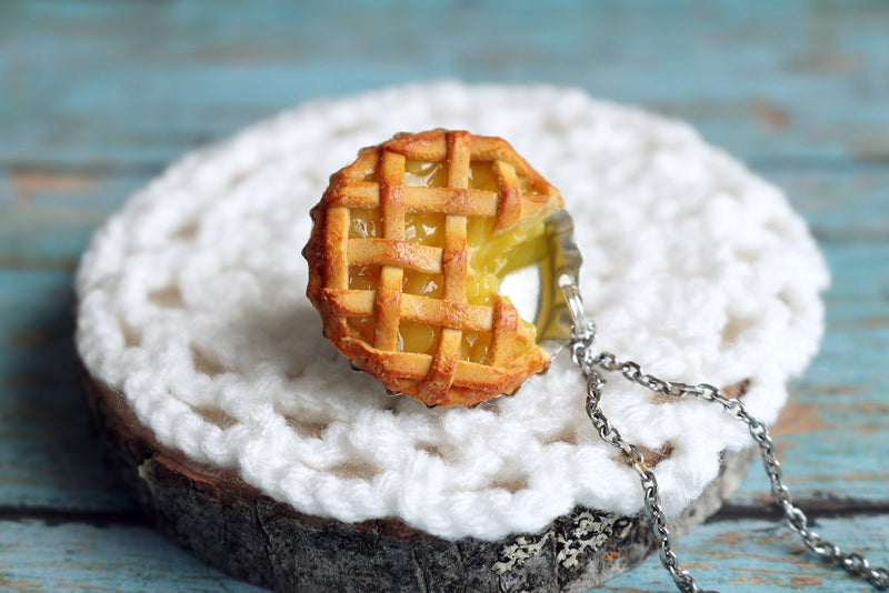 products/apple_pie_pendant_6.jpg