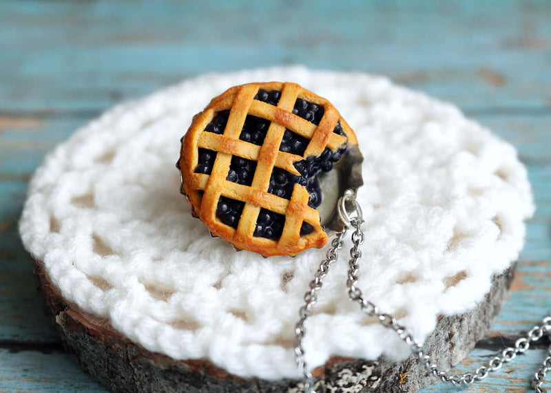 products/bluberry_pie_pendant1.jpg