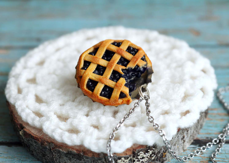 products/bluberry_pie_pendant2.jpg