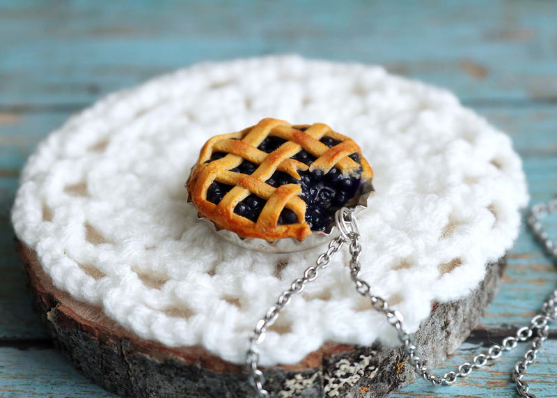 products/bluberry_pie_pendant3.jpg