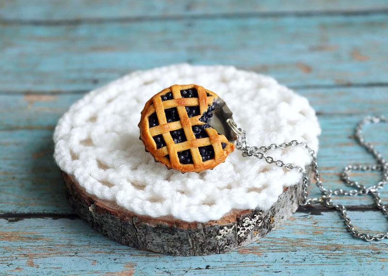 products/bluberry_pie_pendant4.jpg