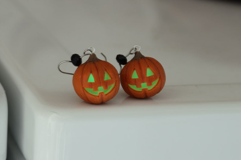 products/halloween_pumpkin_head_earrings_z2.jpg