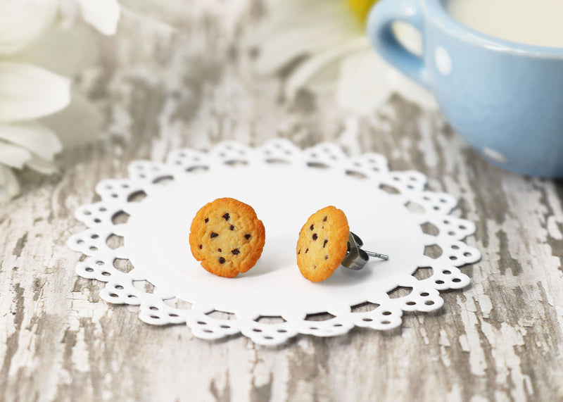products/handmade_polymer_clay_chocolate_chip_cookie_stud_earrings_7.jpg