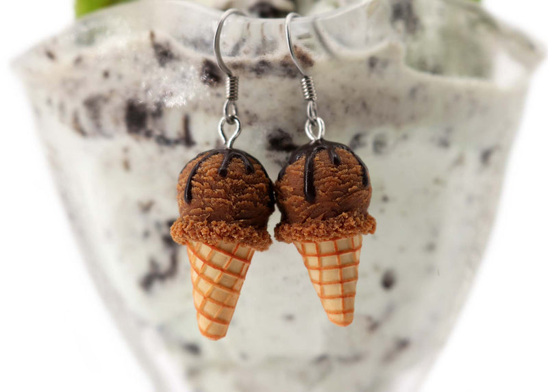 products/handmade_polymer_clay_chocolate_cream_earrings_3.jpg