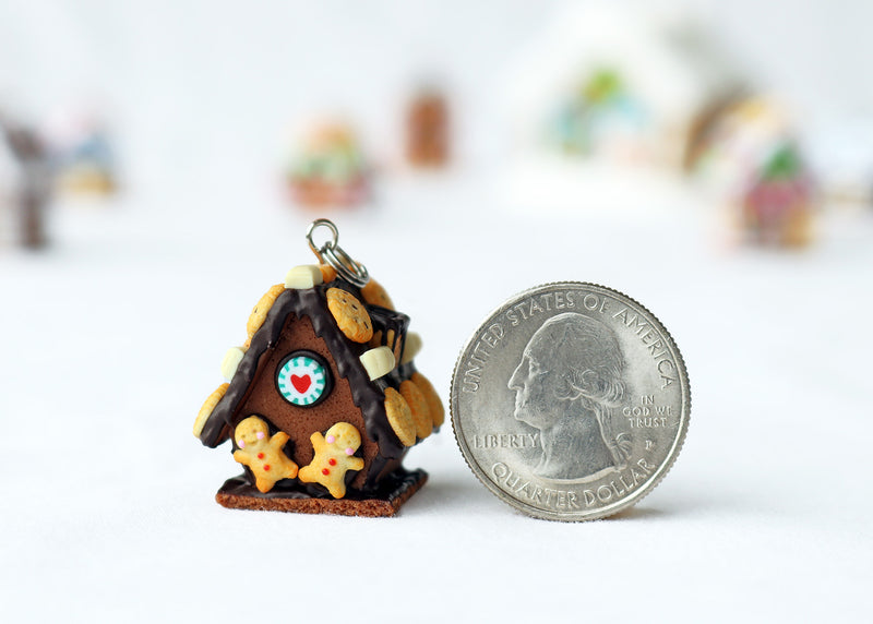products/handmade_polymer_clay_chocolate_gingerbread_house_pendant_1.jpg