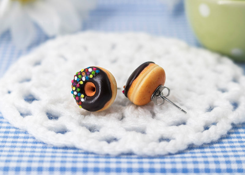 products/handmade_polymer_clay_chocolte_donnut_stud_earrings_4.jpg