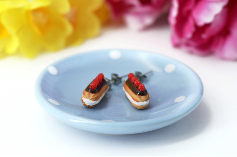 products/handmade_polymer_clay_eclair_stud_earrings_topped_with_chocolate_and_raspberries_3.jpg