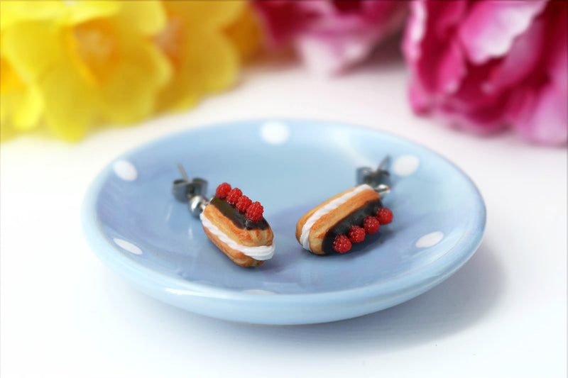 products/handmade_polymer_clay_eclair_stud_earrings_topped_with_chocolate_and_raspberries_4.jpg